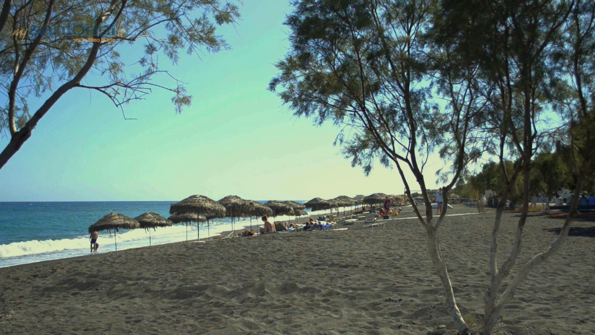 Perivolos Beach
