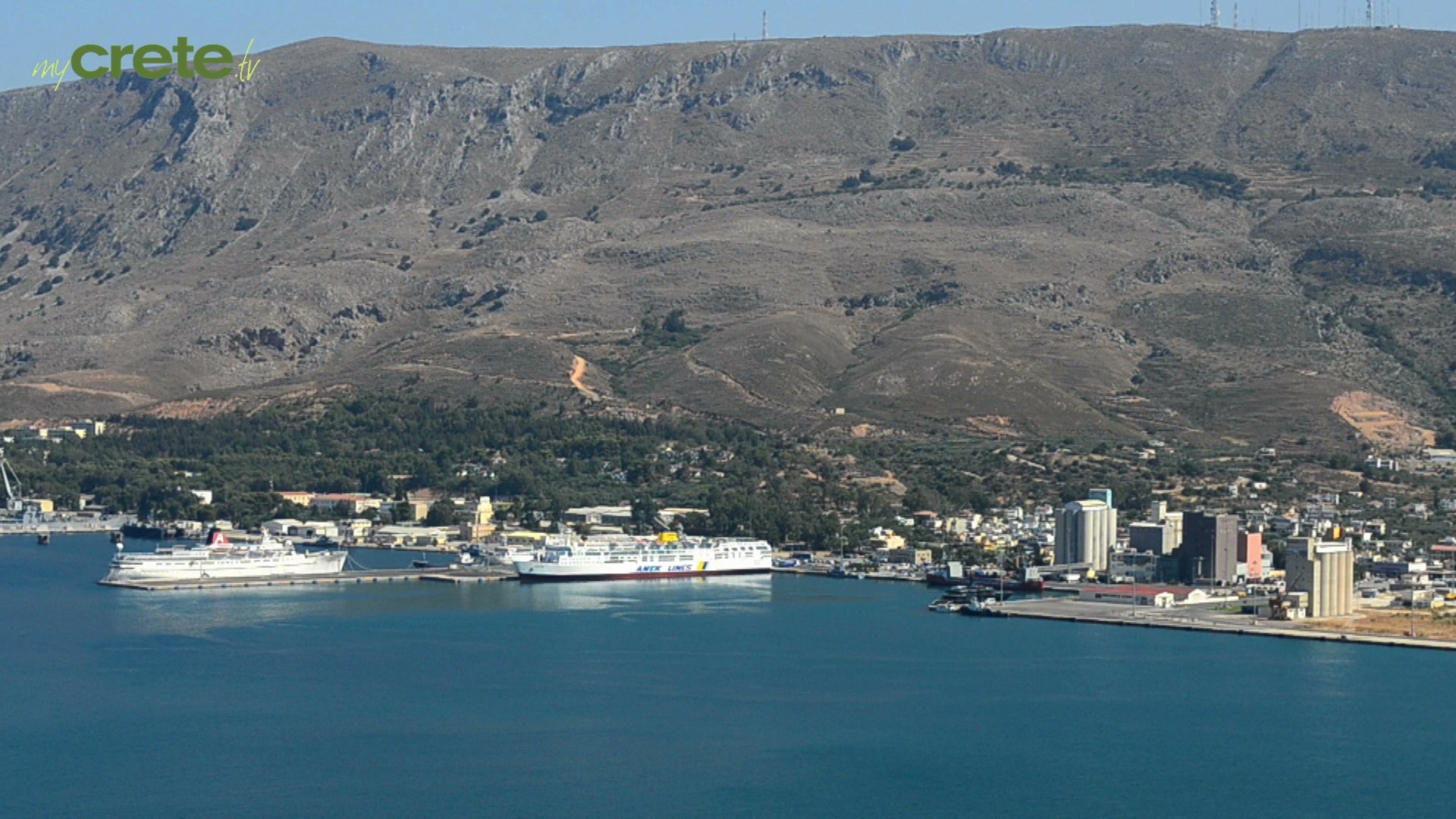 Walking in the picturesque cities of Crete