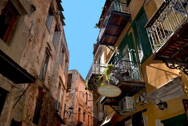 chania old town alleys