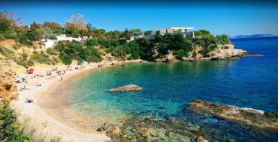 Althea Beach: Turquoise waters 40 minutes away from Athens