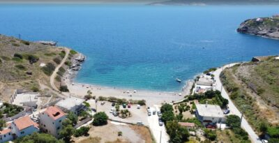 Attica beaches with easy access and comfortable parking