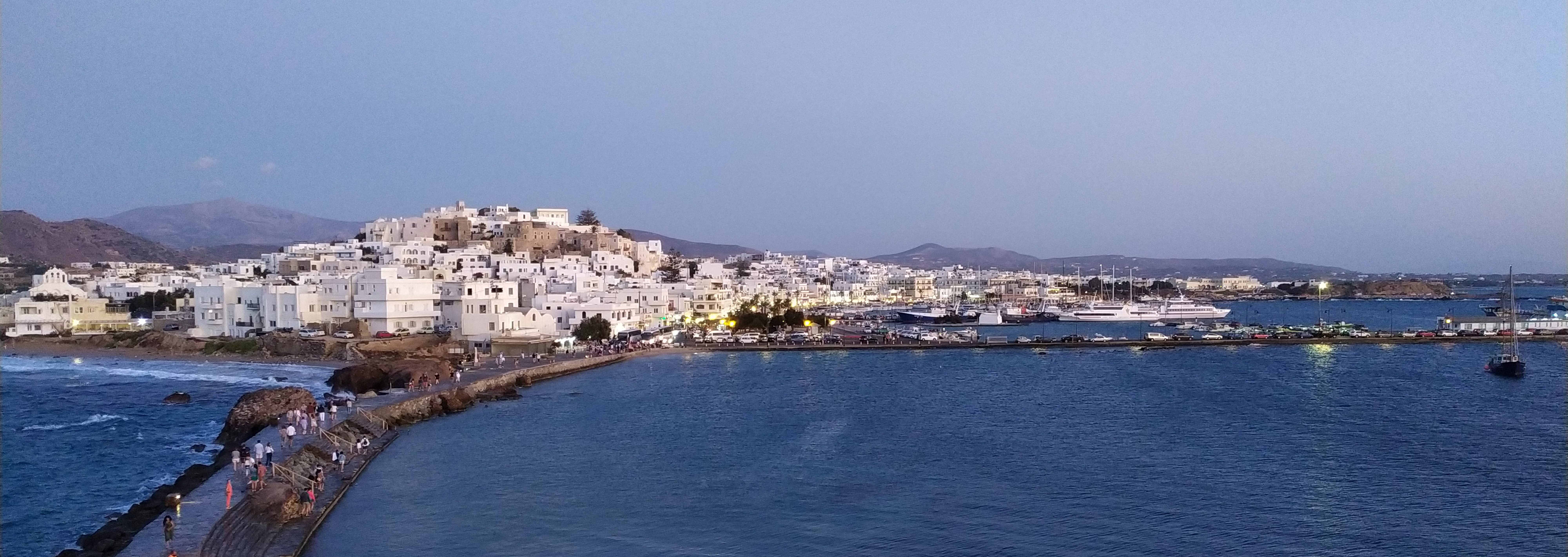 Naxos: the town and its picturesque alleys