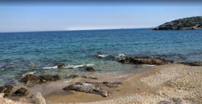Legreina: The blue and authentic beach of Attica