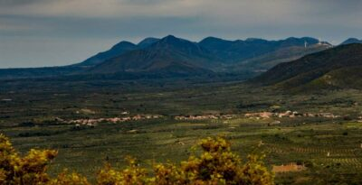 Messinia: Kremidia, the village that has entered the Guinness book