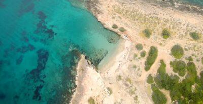 Mikri Chamolia: the hidden gem of a beach in Attica