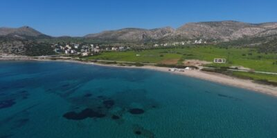 Attica: Ten beaches close to Athens for last dives