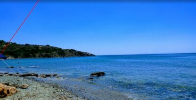 Thymari: the beach with turquoise waters an hour away from Athens center