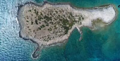 Laconia: Glaros, the island which is the the twin brother of Cyprus