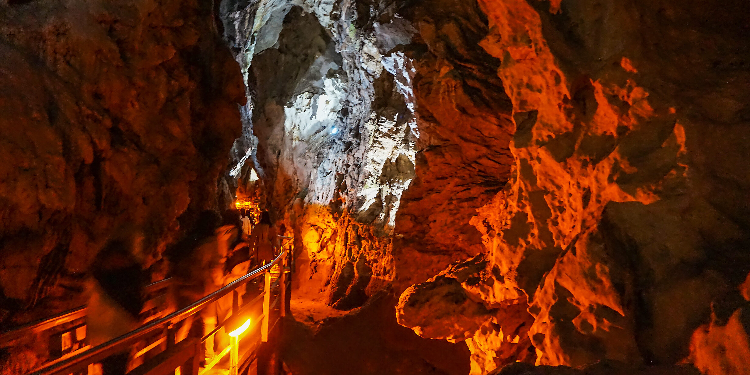 The spectacular and mysterious Cave of the Lakes