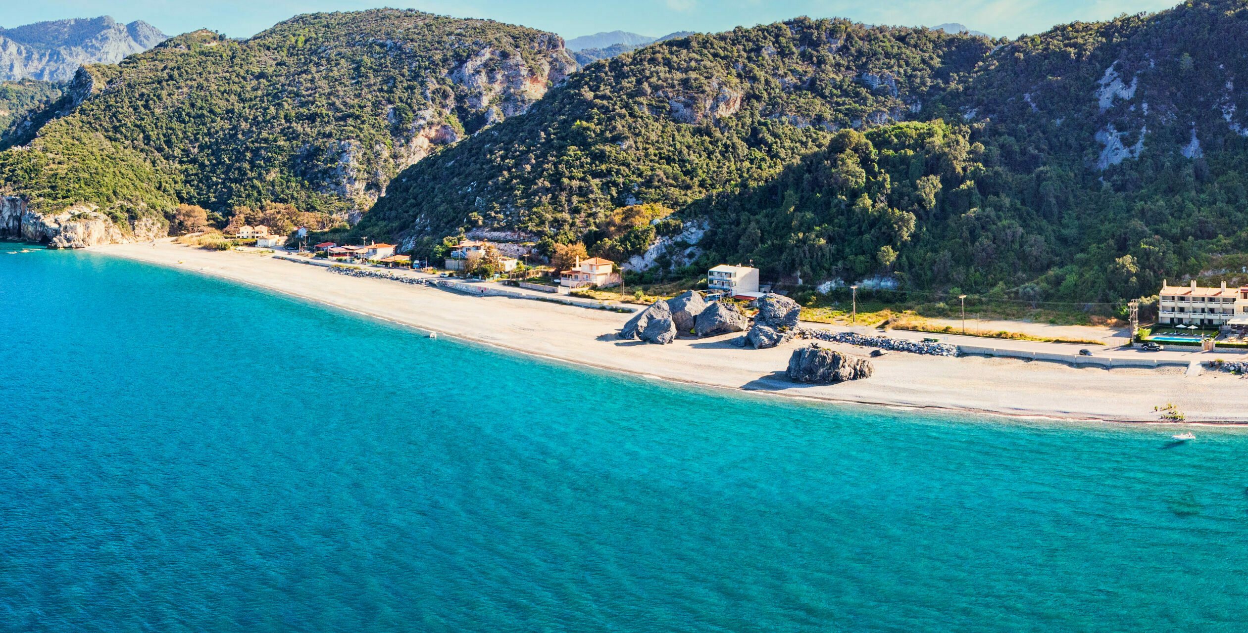 Evia: Hiliadou Beach, one of the best for the latest autumn dives