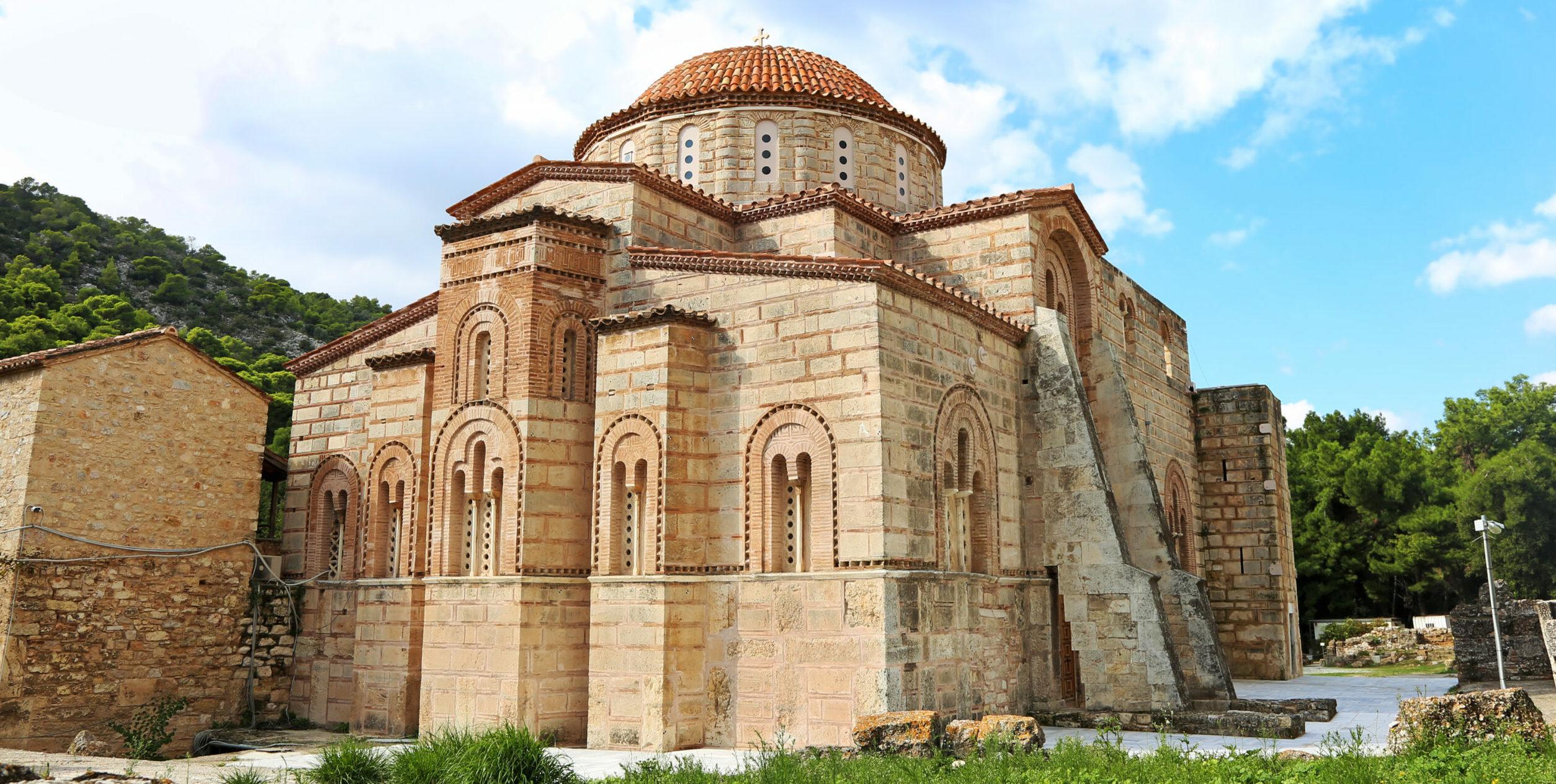 Dafni Monastery: the must-see Byzantine masterpiece