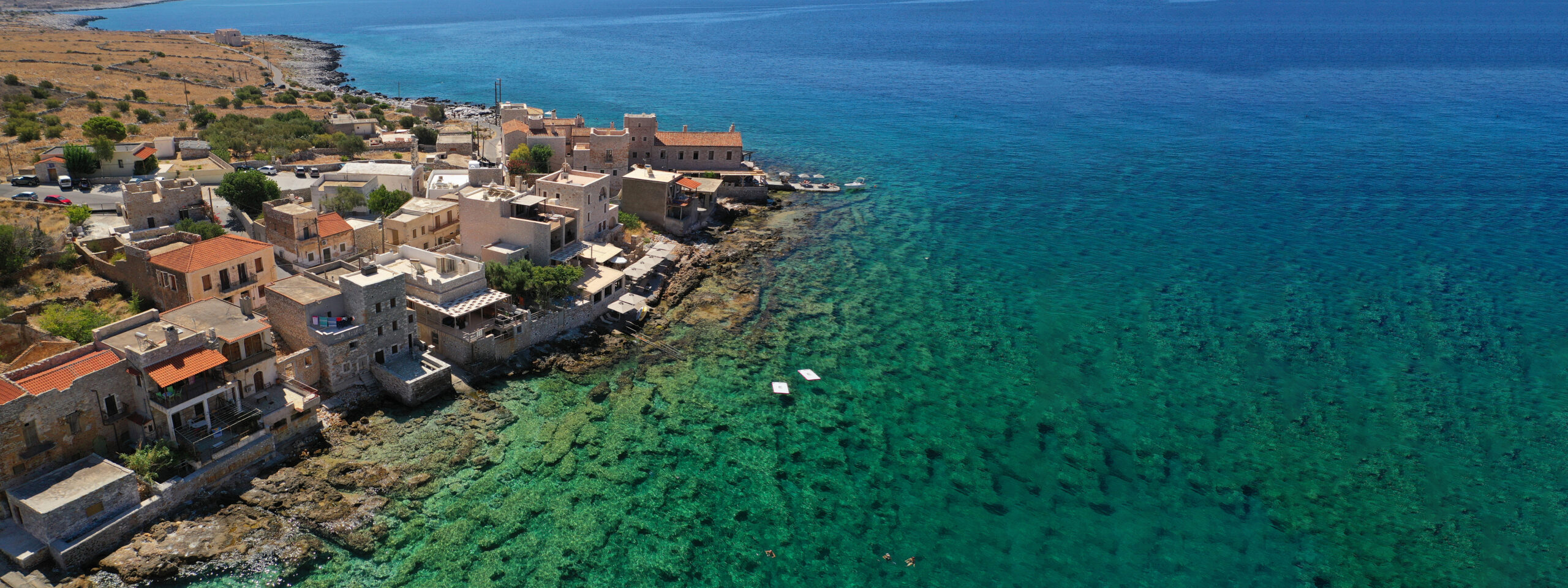 Gerolimenas: The graphical port with the turquoise waters in Mani