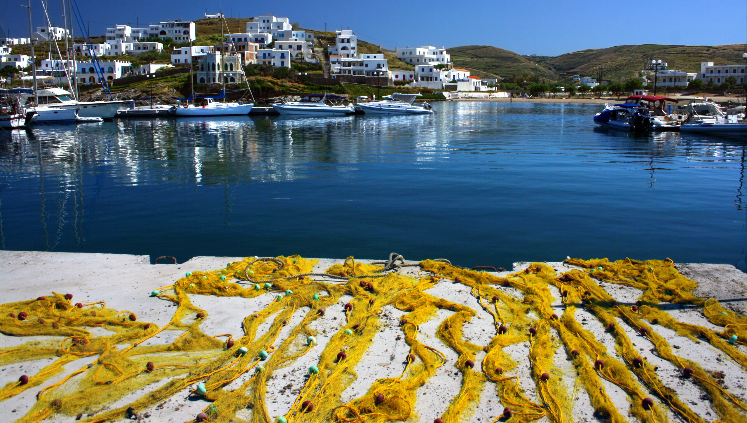 Kythnos: The Cycladic island with the painted walls