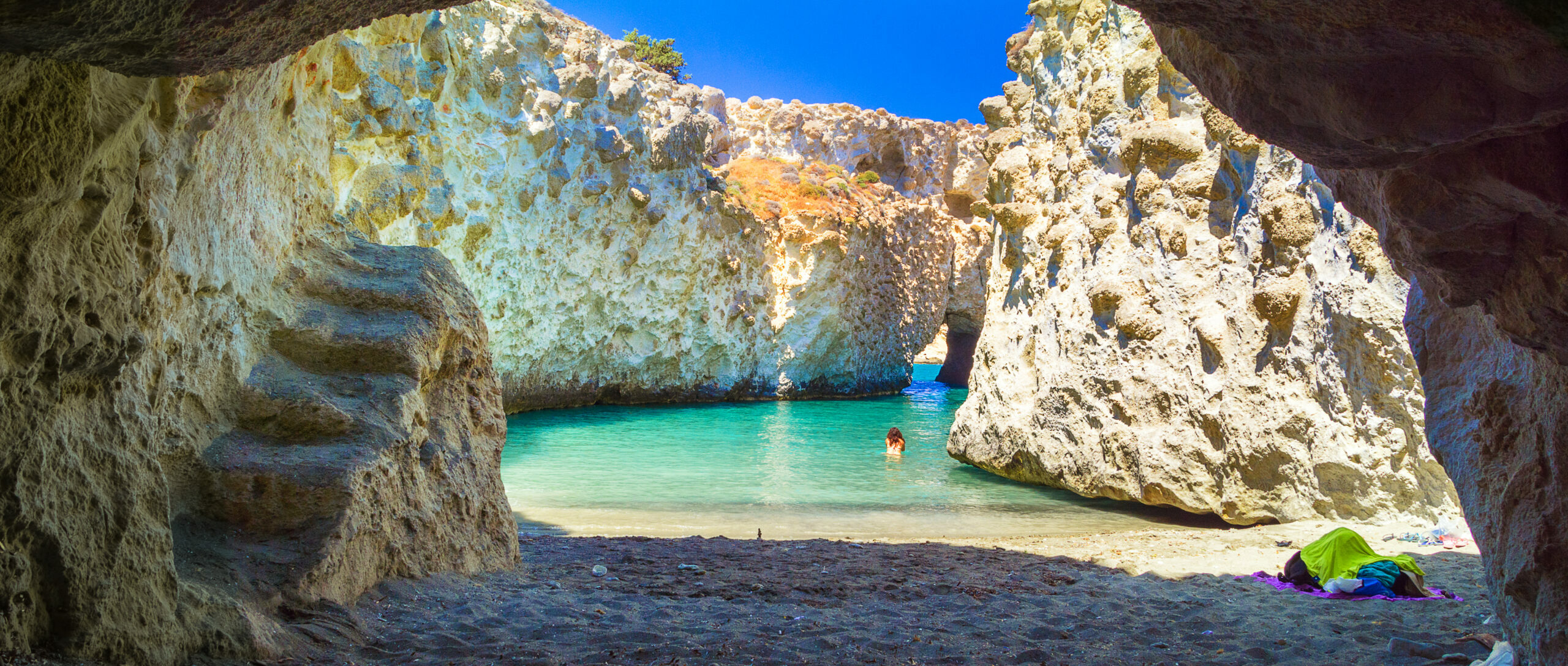 Milos: The island of Cyclades in the list of the 10 most beautiful islands in the world