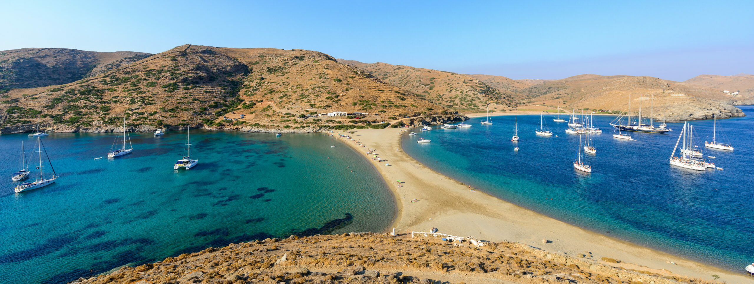 Kolona: The beautiful beach and the first surprise you have when you see it