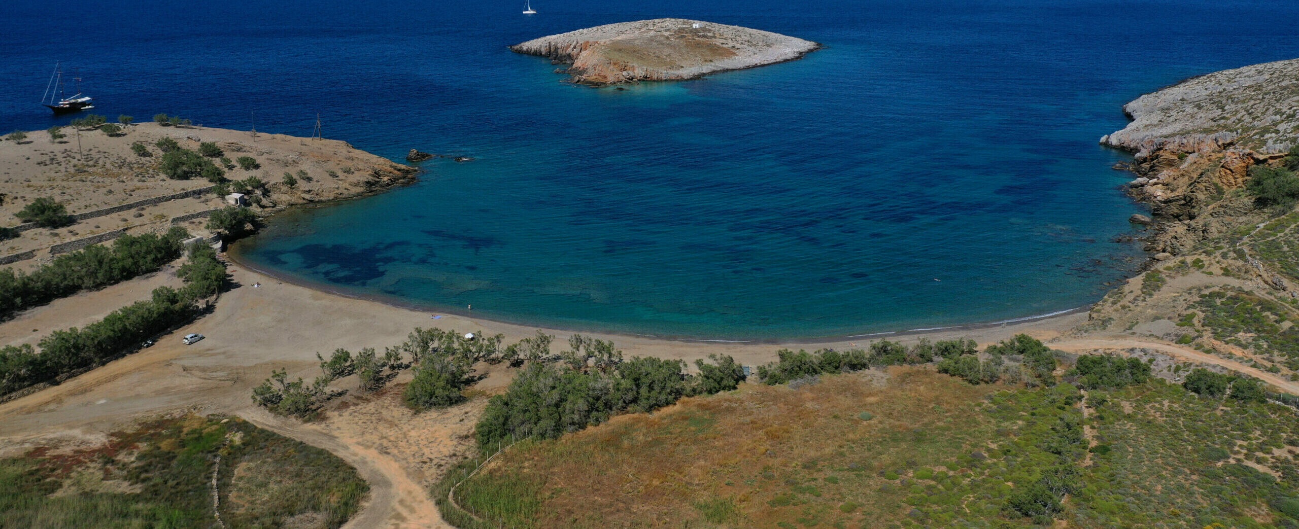 A beach…like a meadow in the distinct Folegandros