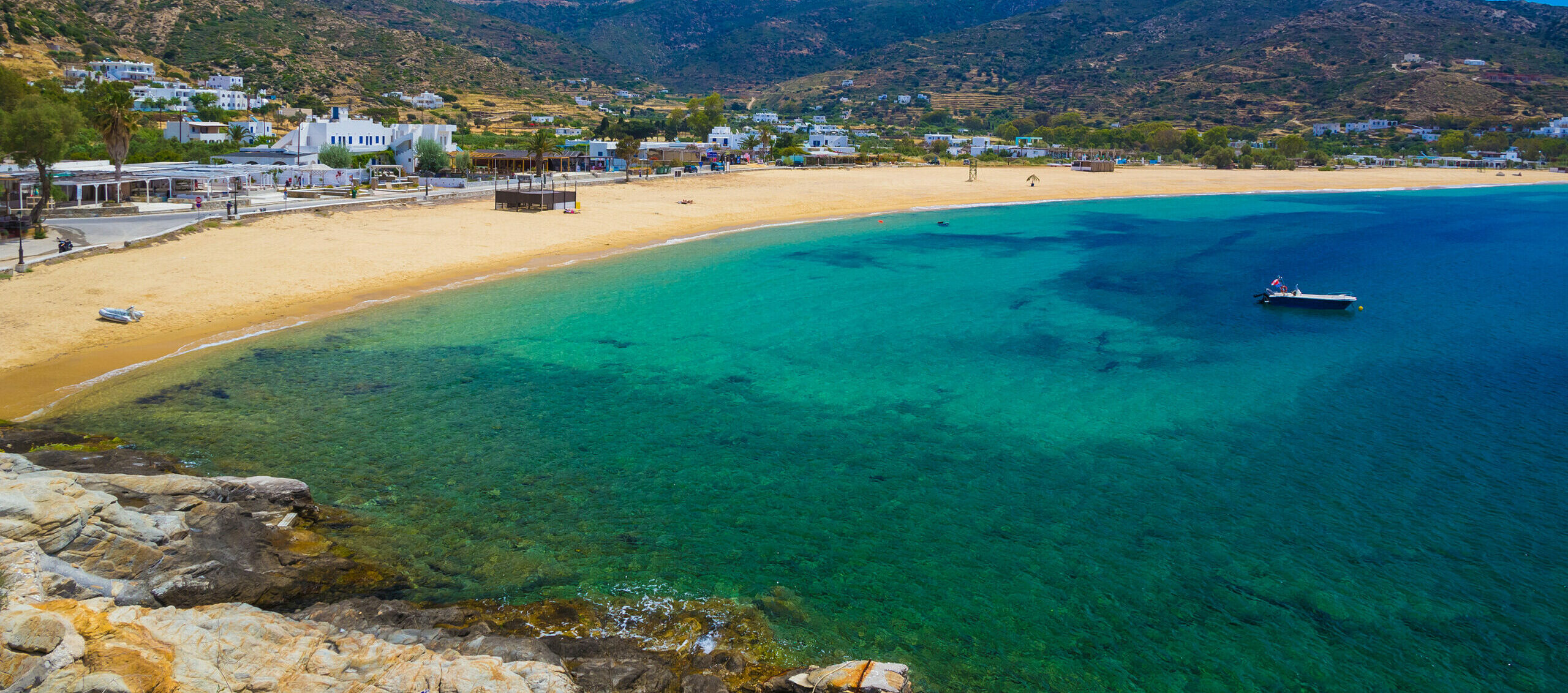 Mylopotas: The petal-shaped beach with all the shades of blue