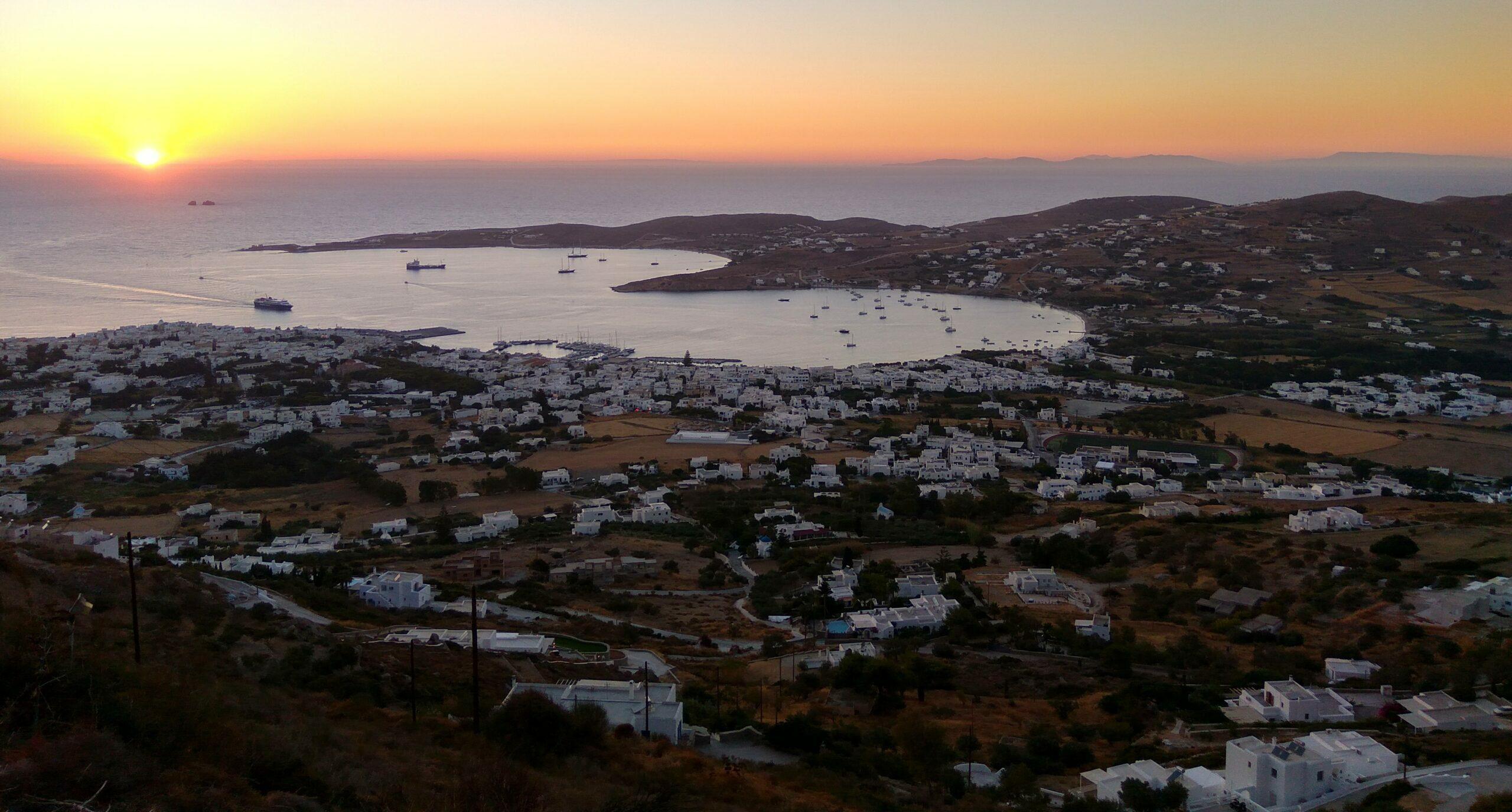 Paros: The beautiful Parikia in the heart of the Aegean Sea