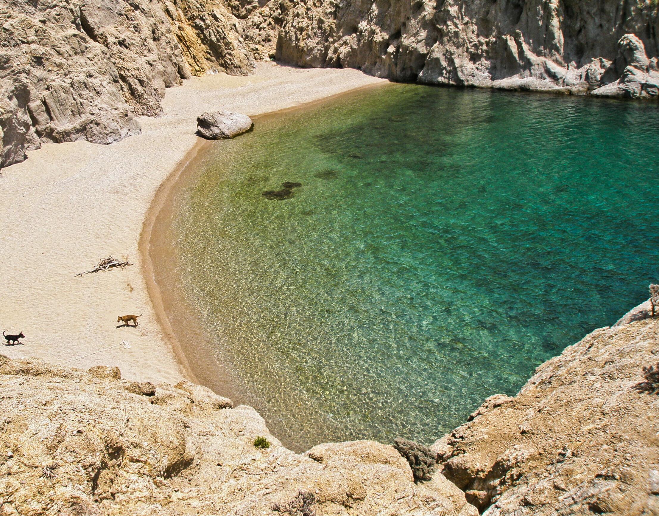 Three special beaches of Samothraki for alternative vacations