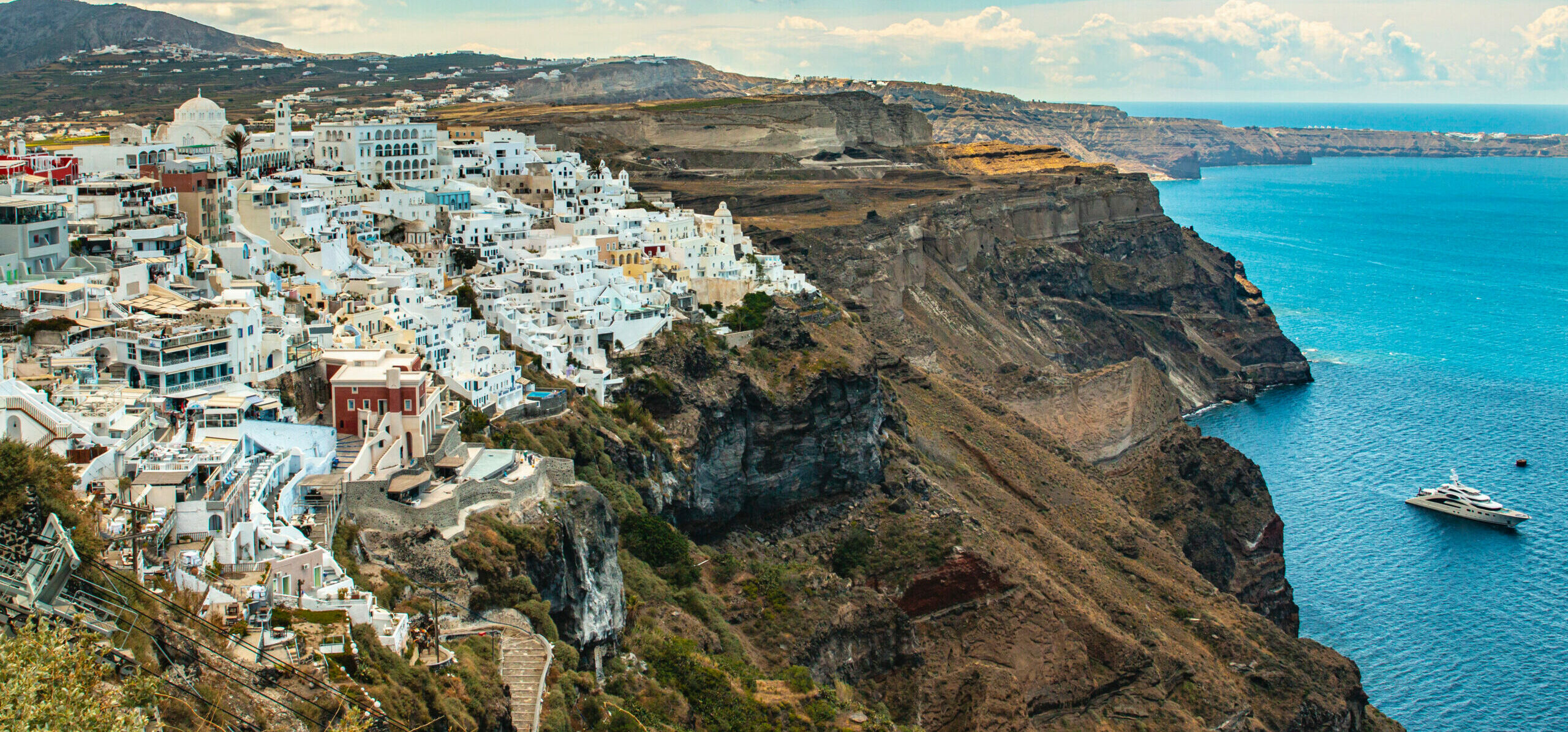 Caldera: The seductive one in the Cyclades