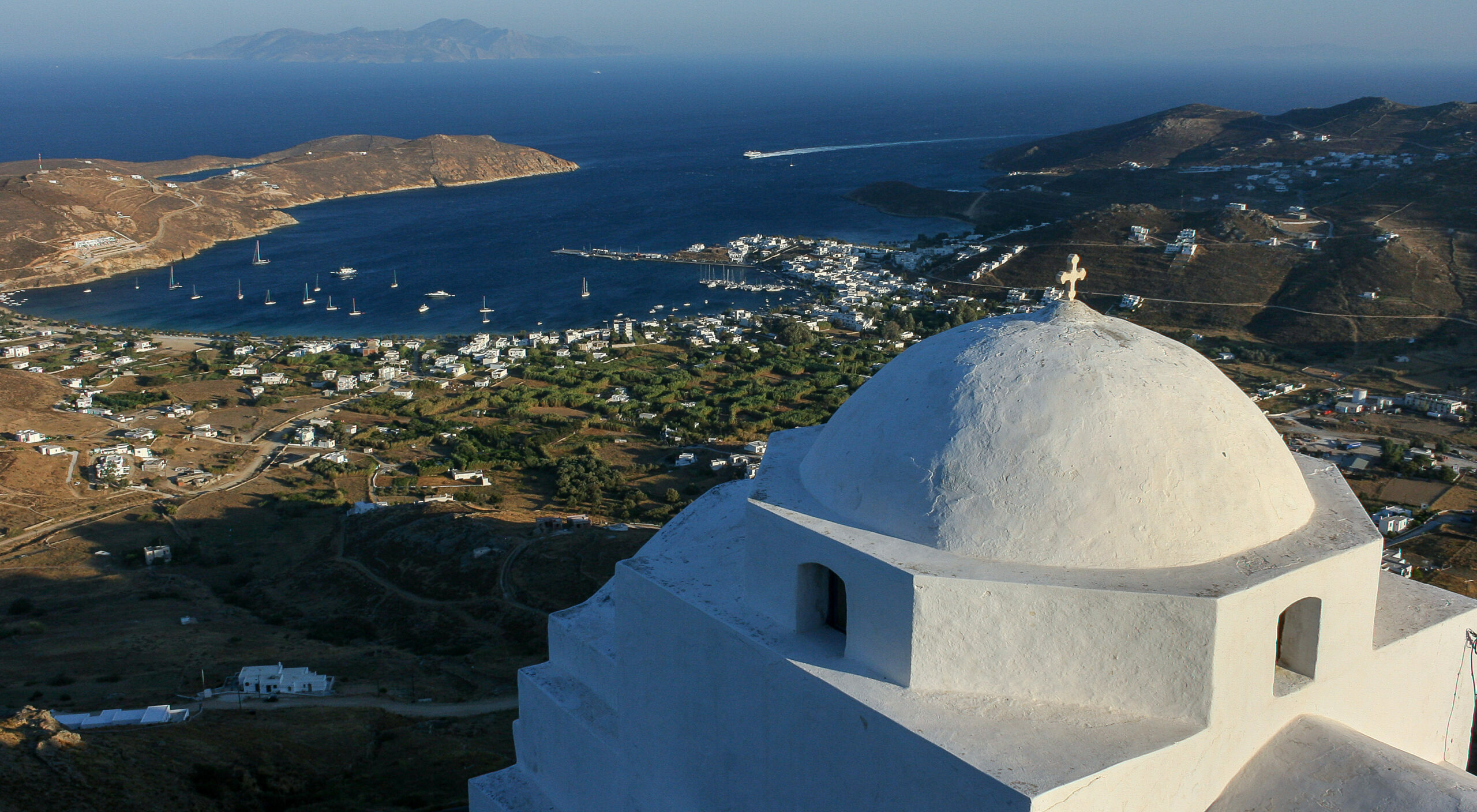 The Greek island with the 72 beaches without sunbeds
