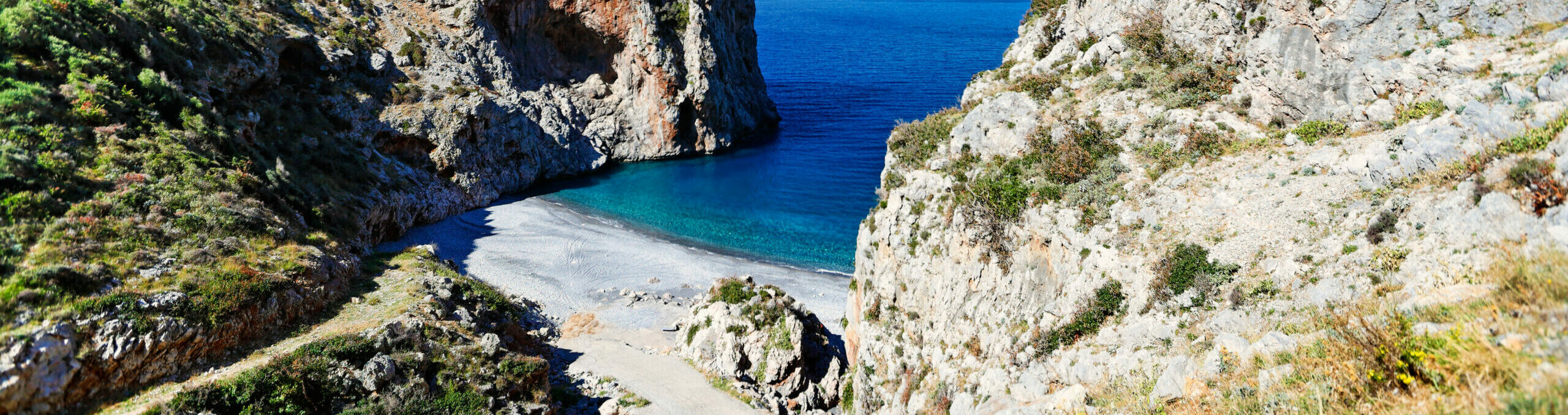 Vythouri: A beach with a rare phenomenon in Evia